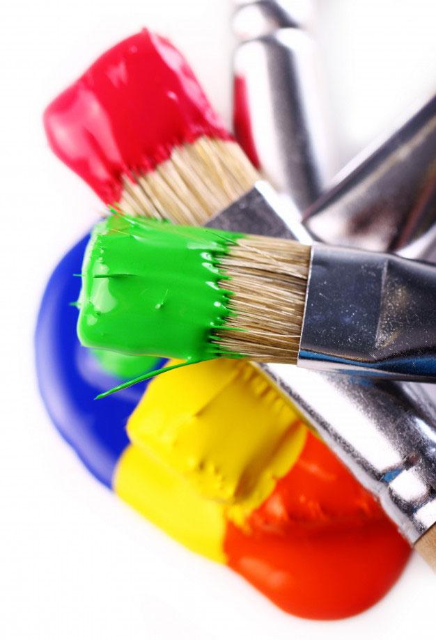 pensule cu vopsea diferite culori